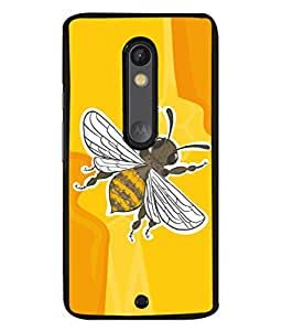 Motorola Moto X Play Back Cover Macro Shot Taken Vertically Of A Hoverfly On A Yellow Flower Design From FUSON