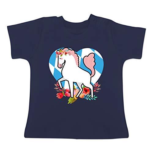 Oktoberfest Baby - Pferd bayrisches Herz - 12-18 Monate - Navy Blau - BZ02 - Baby T-Shirt Kurzarm