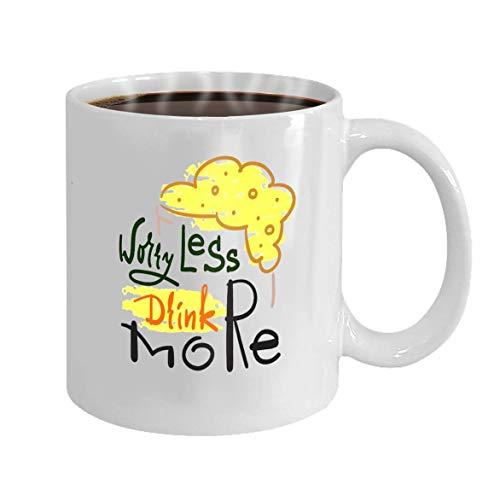 Wistty Tazas de regalos para hijas - Nunca subestimes a una hija nacida en tazas de cerámica - Taza de té de 11 onzas Blanco Preocúpate de beber más simple Cita inspiradora y motivadora Dibujado a man