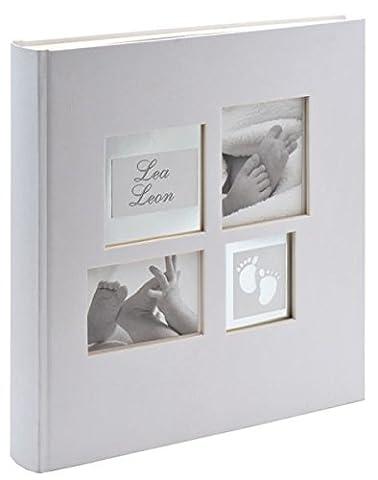 Walther UK-172 Babyalbum Little Foot mit Ausstanzung für persönlichen Namen, 60 weiße Seiten, 4 Seiten illustrierter Vorspann, 28 x 30,5 cm weiß, Geschenkbox creme