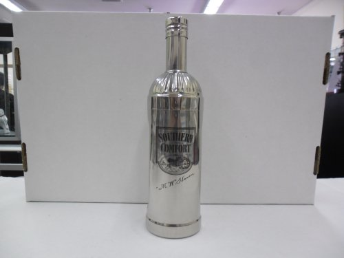 vintage-southern-comfort-liqueur-bottle-shape-3-piece-stainless-steel-cocktail-shaker-by-southern-co