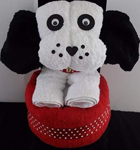 Geschenk als großer Hund in weiß, Handtuch-Tier Hund, sitzend auf rotem Duschtuch, fertig in Geschenkverpackung