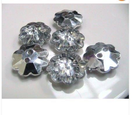 JAJA's Store Boutons acrylique en plastique plaqué argent en forme de fleurs 2 trous pour loisirs créatifs, perles et breloques pour fabrication de bijoux 25 x 13 mm