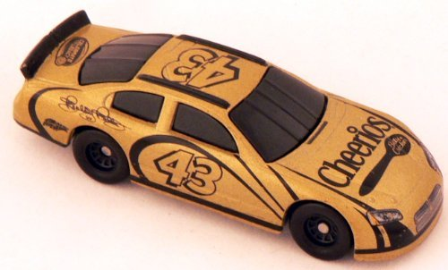 cheerios-bobby-labonte-43-164-scale-die-cast-toy-car-celebrate-the-legacy-by-hot-wheels