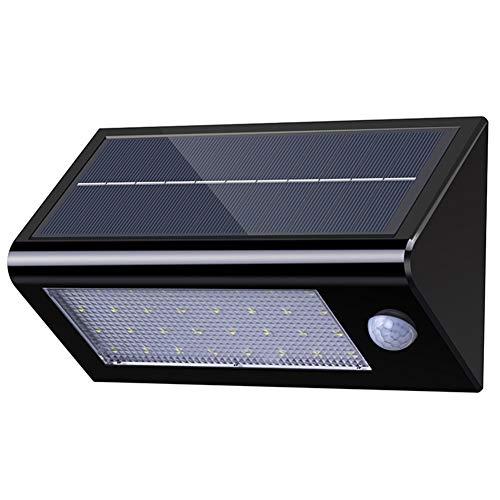 """Es una lámpara solar de pared de alta luminosidad y con un amplio rango de cobertura. La lámpara cuenta con 32 LED, ideal para exteriores, jardínes, fachadas, como luz de seguridad. 4 Modos: """"Modo apagado"""" A. """"Modo Estable"""". La luz se enciende automá..."""