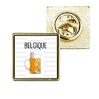 Pin's carré doré 18x18mm.Modèle Belgique Pinte de Bière - Humour Symbole Pays.Logo 15x15mm en impression hd protégé par dome pvc serti.Coloris Or.Fabrication Francaise