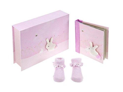 MousehouseGifts Baby Mädchen Geschenke Rosa Häschen Erinnerungsboxset mit Baby Fotoalbum und Baby Schuhen für Mädchen