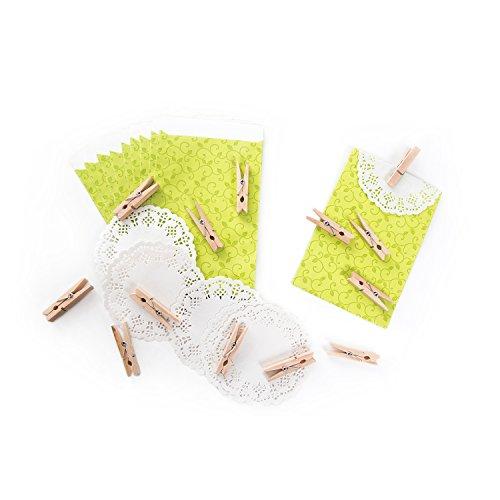 40 grüne maigrüne Ranken Papiertüten 9,5 x 14 + 2 cm Lasche + weiße Deko-Spitze + kleine natur Holz-Klammern vintage Papierbeutel für Mitgebsel Gastgeschenke give-away als Verpackung Mini-Tüten (Klammern Ranken)