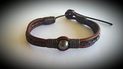 aito-bracelet-c-avec-perle-de-culture-de-tahiti-cuire-corde-et-fermoir-en-nacre