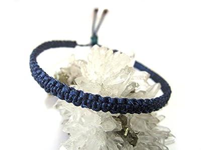 Bracelet brésilien en fil bleu marine tissage fin plat tissé/tressé main en macramé avec du fil ciré. Amitié/Bohème/Unisexe/Surf/Bijoux Réf.PP70