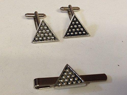 Snooker Dreieck T4auf ein Paar Manschettenknöpfe mit einer Krawattennadel Set Feines Englisches Moderne Zinn geschrieben von uns Geschenke für alle 2016von Derbyshire UK