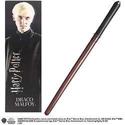 La varita de PVC Draco Malfoy de Noble Collection y el marcador prismático
