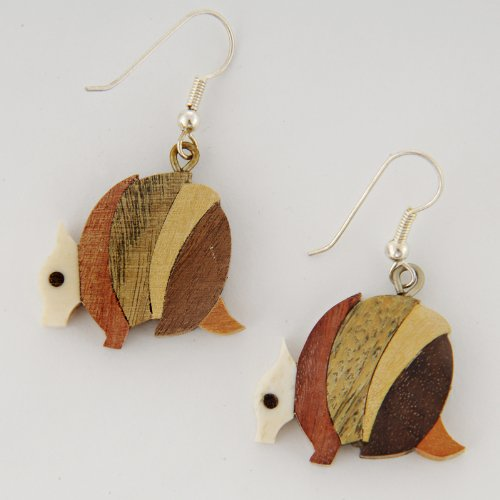 tumi-wooden-earrings-armadillos-fair-trade-hand-made-in-argentina