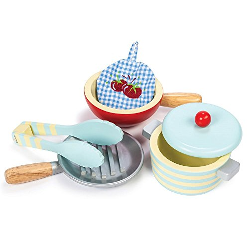 le-toy-van-set-of-pots-and-pans-for-play-kitchen