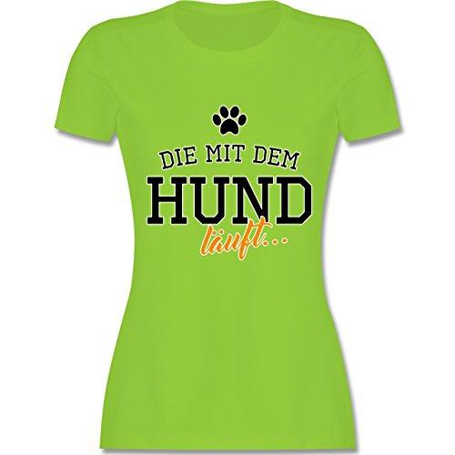 Hunde - Die mit dem Hund läuft - tailliertes Premium T-Shirt mit Rundhalsausschnitt für Damen Hellgrün