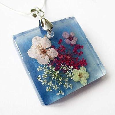 Pendentif Ellie bleu en résine et fleurs de violettes - Bijou nature fleur bleue Collier en fleurs séchées argent 925 collier végétal