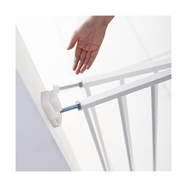 Lindam Wall Fix Extending Metal Safety Gate (Push to Shut/Easy Close) Lindam One handed push to shut closing Fixes directly to the wall. Baby Gate can be set to open in one direction only or in both directions Extends to fit openings between 64.5cm and 102cm.  It is important that you measure the opening of where you want to install your safety gate correctly. Always measure from the narrowest point, typically skirting to skirting 3