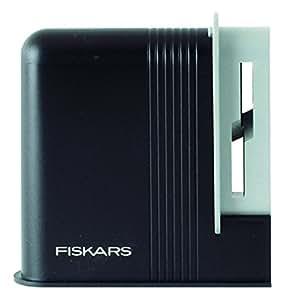 how to use fiskars scissor sharpener