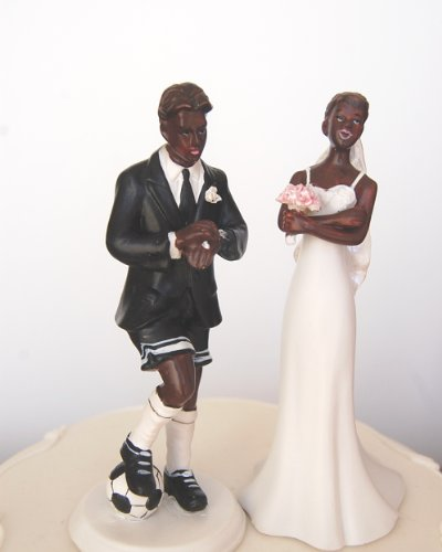 DreamWedding-UK Love Football Boyfriend and exasperated Funny Bride Decorative Figure Wedding Couple, for Cakes, Artificial Resin, Black, 5 x 12 x 12 cm