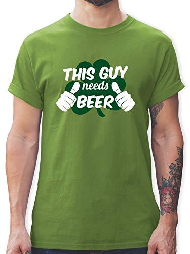 his Guy Needs Beer Kleeblatt - M - Hellgrün - L190 - Herren T-Shirt und Männer Tshirt ()