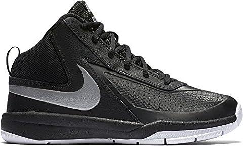 Nike Team Hustle D 7 (GS), Chaussures de Sport-Basketball Garçon, Noir / Argenté / Blanc (Black / Mtllc Silver-White-Blk), 37 1/2 EU