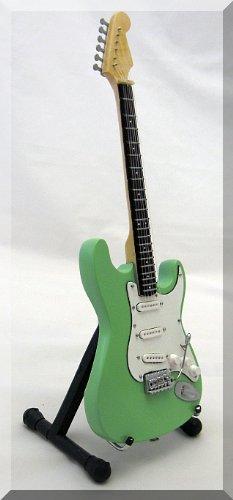 jeff-beck-miniature-mini-guitar-fender-stratocaster-green