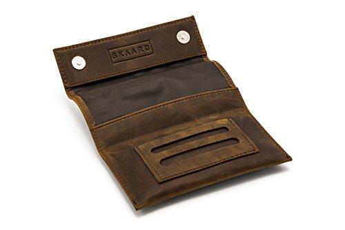 Double Tasche (Tabaktasche braun aus echtem Leder mit Double-Paper Fach, Magnetverschluss und Tasche mit Reisverschluss, Tabakbeutel und Drehertasche von skaard)