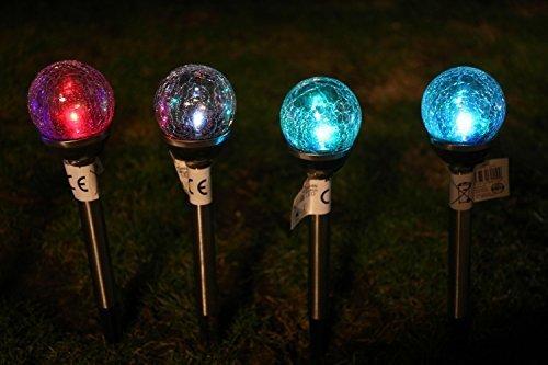 4er Set Solarleuchten Glas Edelstahl Solarlampen Set mit Farbwechsel LED - sehr weiche und fließende Farbübergänge - Premium Solarleuchte im 4er Set aus unserer neuen Designer Serie Gartenbeleuchtung Edelstahl -mit Erdspieß und Dämmerungssensor für freie Standortwahl und automatisches An- und Ausschalten - sehr hochwertig verarbeitete Wegeleuchten aus Glas und Edelstahl[Energieklasse A+] - 4 Lampe Kristall