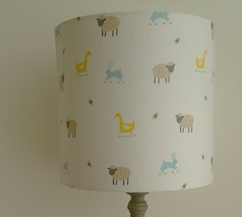 farm-yard-handmade-nursery-table-lampshade-20-cm-drum