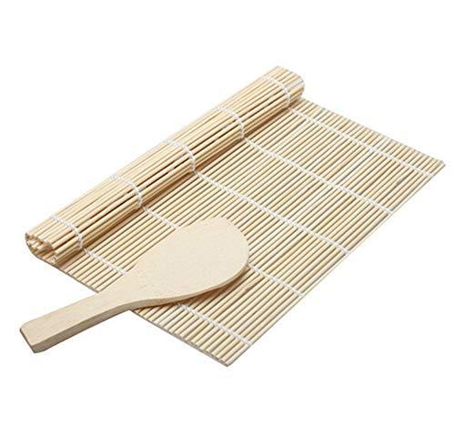 Conjunto ideal para crear rollos de sushi caseros. Simplemente, use la cuchara para mezclar el arroz y el vinagre, y el esparcidor lo ayudará a untar el arroz de manera uniforme sobre el nori, después de eso, use las esteras enrolle el arroz y sus in...