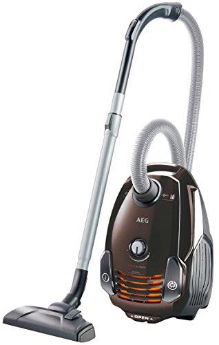 AEG VX6-1-FFP Staubsauger mit Beutel EEK A (700 Watt, inkl. Hartbodendüse, 9 m Aktionsradius, Softräder, 3,5 Liter Staubbeutelvolumen, Hygiene Filter E12) braun