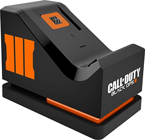 Call of Duty Black Ops III: Official Charging Stand (Includes Rechargeable Battery Pack) (Xbox One)