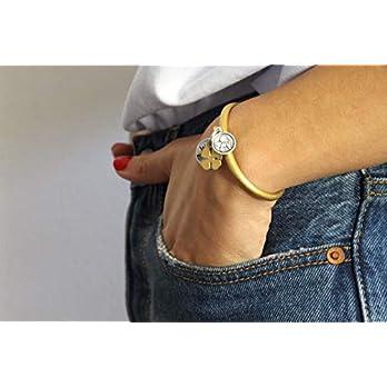 SIRIN – Damen Armspange mit Schutzengel, Vierklee und Anhänger mit Logogravierung. In drei Farben erhältlich