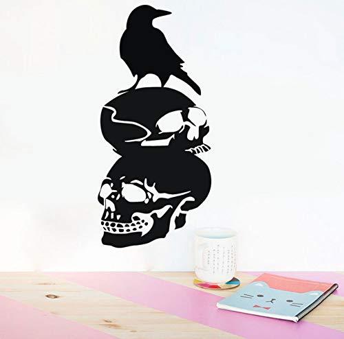 ichkeit Neue Ideen New Birds Halloween Dekorationen Auf Einem Schädel. ()