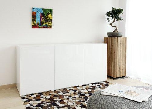 SalesFever Side-Board in weiß Hochglanz aus MDF-Holz mit 3 Türen 170x45 cm fürs Wohnzimmer | Tiro | Modernes Low-Board 3-türig | Design Kommode Weiss lackiert 170cm x 45cm dekoriert Ihr Schlafzimmer