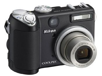 Nikon Coolpix P5000 Digitalkamera (10 Megapixel, 3,5-fach opt. Zoom, 6,4 cm (2,5 Zoll) Display, Bildstabilisator) (Sport-nacht-komplette Serie)