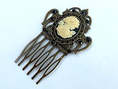 Peigne à cheveux dans le style antique avec camée en bronze noir