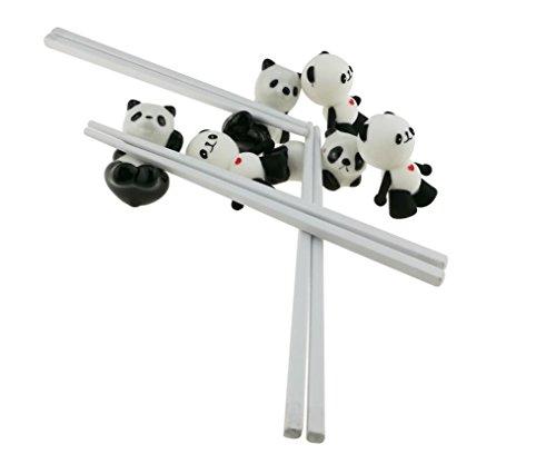 Quiere comer alimentos chino o sushi pero no sabe cómo usar los palillos chinos?No te preocupes, esta panda de entrenamiento palillos puede ayudarle a Hay un conector de panda Pantalón que está hecha de gel de sílice en los palillos pueden ayudarle a...