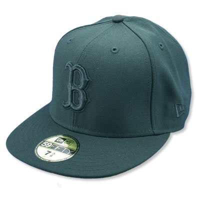 BOSTON RED SOX NEW ERA CAP - BLACK ON BLACK Größentabelle: 7 1/2 - 60cm (XL)