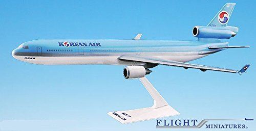 korean-air-84-cur-md-11-airplane-miniature-model-plastic-snap-fit-1200-part-amd-01100h-011
