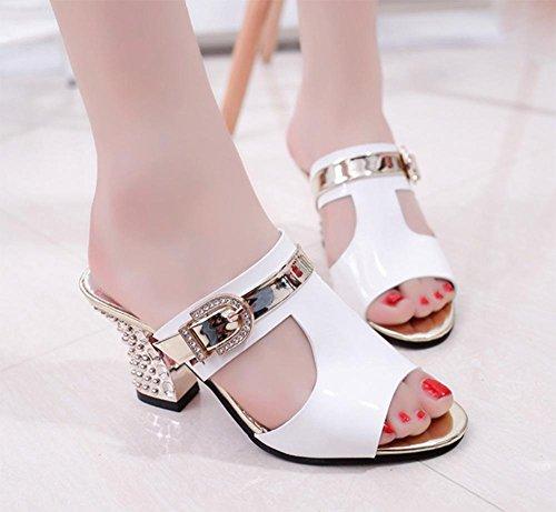 Sommer hohle hochhackige Schuhe mit dicker Diamantgürtelschnalle Frauen Fischmund weibliche Sandalen und Pantoffeln Sandalen White