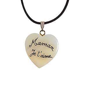 """Collier personnalisé avec """"Maman je t'aime"""" sur un cœur en nacre. Cadeau fête des Mères"""