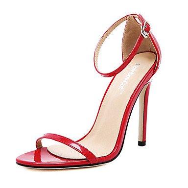 Moda Donna Sandali Sexy donna tacchi Primavera / Estate / Autunno / Inverno Comfort PVC / cuoio matrimonio abito / Stiletto Heel fibbia dimensioni Plus White