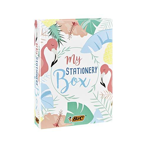 BIC My Stationery Box - 28 Instrumentos de Escritura, 10 Marcadores /6 bolígrafos /4 Subrayadores /1 Cinta Correctora /5 marcadores permanentes /2 Blocs de Notas Adhesivas y 1 Libreta A5 (Blanca)
