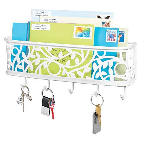 mDesign Schlüsselbrett mit Ablage - wandmontiertes Schlüsselboard aus Metall für Eingangsbereich, Küche und Büro - mit fünf Haken und Briefablage für Post - mattweiß -