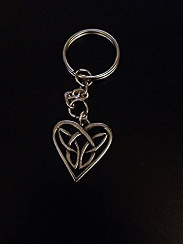 Keltisches Herz verflochtenes chpp feines englisches Zinn Emblem auf einem Split Schlüsselanhänger