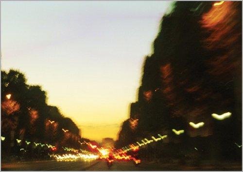 Preisvergleich Produktbild Mit einem Taxi nach Paris - die Foto Kunst Grußkarte für Frankreich Fans und Romantiker • auch zum direkt Versenden mit ihrem persönlichen Text als Einleger.