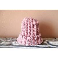 Bonnet fillette grosse laine rose mode hiver cadeau Noël anniversaire fêtes rentrée sport d'hiver fait main au crochet