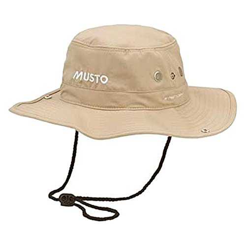 Musto Fast Dry Brimmed Hat in LIGHT