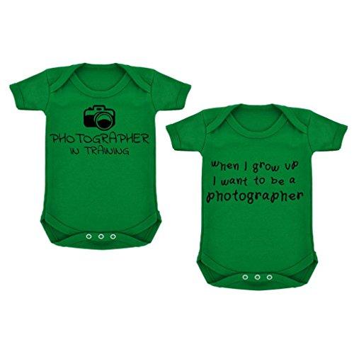2er Pack Fotografen in Training/When I Grow Up... Baby Bodys Smaragd Grün mit Schwarz Print Gr. 6-12 Monate, Grün - Grün